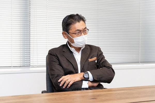 鈴木智行氏
